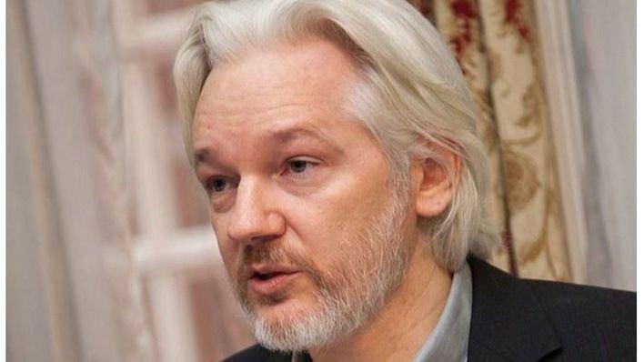Decenas de diputados británicos solicitan al Gobierno que Assange sea extraditado a Suecia
