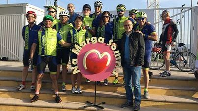 Cerca de 200 ciclistas participan en la Marcha Cicloturista Solidaria 'Na Marga Somriu'
