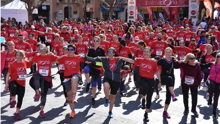 Unas 2500 personas rinden homenaje al papel de la mujer en el deporte