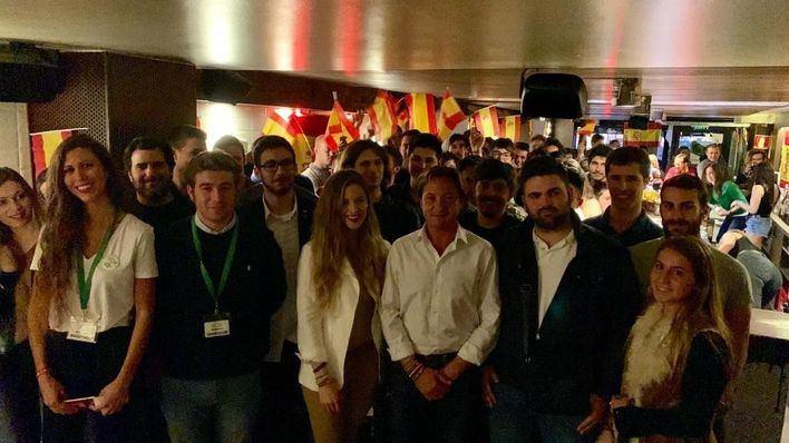 Más de un centenar de jóvenes acuden al encuentro Cañas por España de Vox