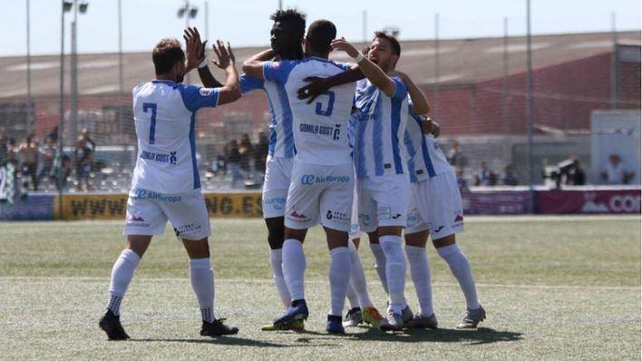 El Atlético Baleares se atrinchera en el liderato tras ganar 2-0 al Cornellà
