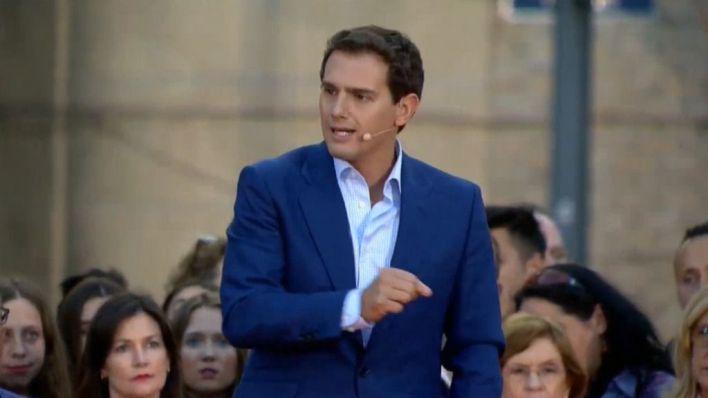 Rivera cree que Sánchez 'ya representa' a los partidos nacionalistas