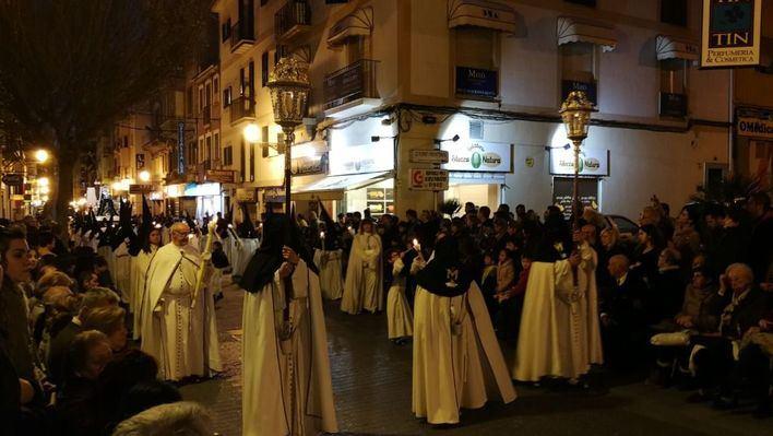 La procesión del Crist de la Sang obliga a cortar numerosas calles del centro de Palma