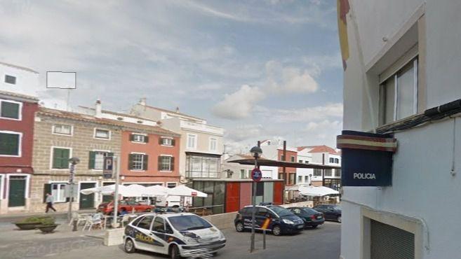 Fallece un joven de 20 años hallado inconsciente en la estación marítima de Maó