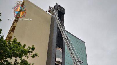 Los bomberos denuncian que en Palma no tienen escaleras para más de tres pisos