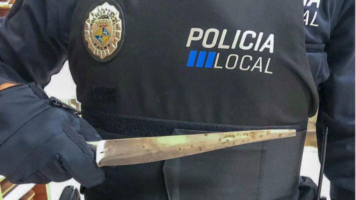 Detenido en Camp Redó por amenazar a los transeúntes con un cuchillo
