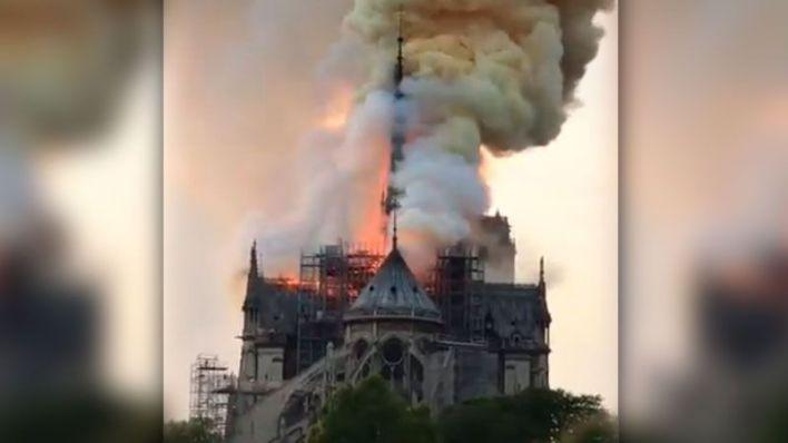 Hallan colillas en los andamios donde empezó el fuego de Notre Dame