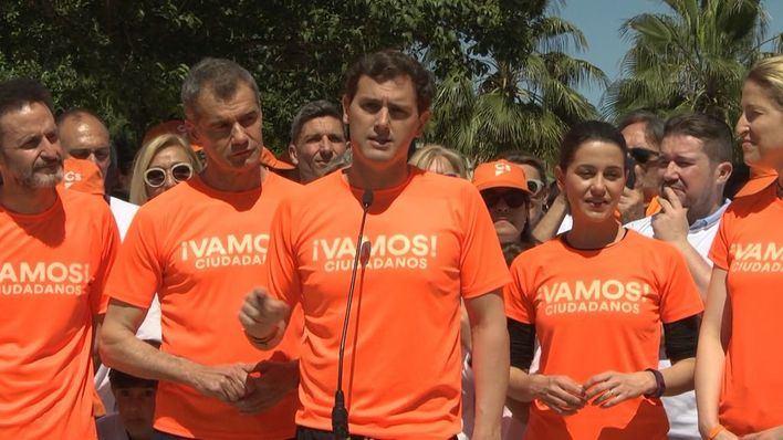 Rivera pide a Casado que deje de 'repartir ministerios' con Vox