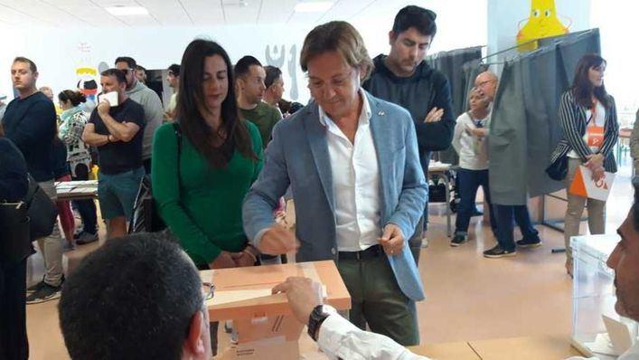 Jorge Campos está convencido de que Vox logrará unos resultados