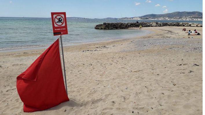Un nuevo vertido de aguas fecales obliga a cerrar las playas de Can Pere Antoni y Ciudad Jardín