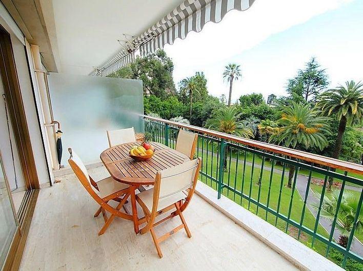 Las pernoctaciones en apartamentos turísticos de Baleares caen un 19 por ciento