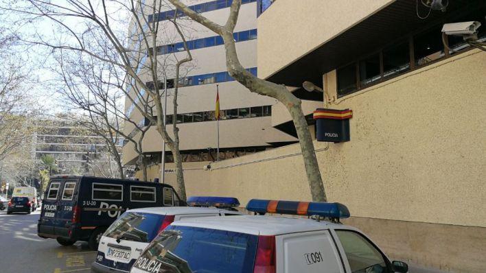 Detenida una pareja en Palma tras intentar atropellar a un policía