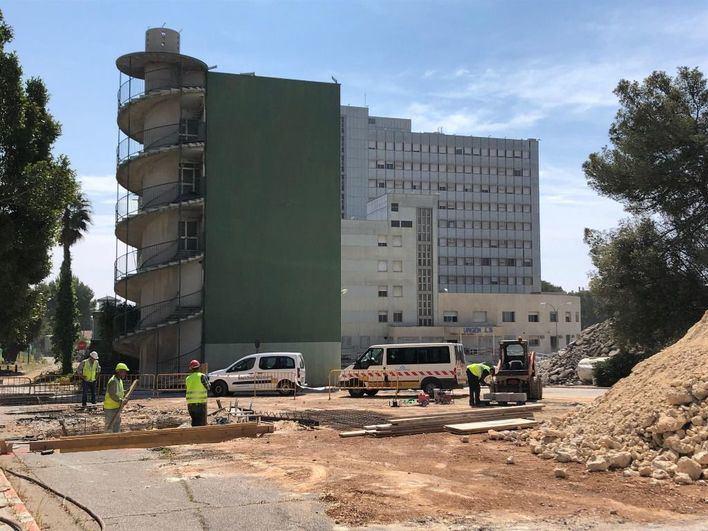 La demolición del antiguo hospital de Son Dureta durará nueve meses