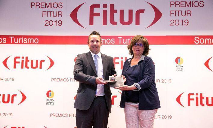 Sixt recoge el premio al mejor stand de Fitur en 2019