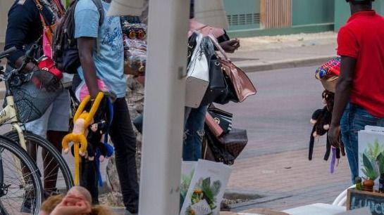Cuatro vendedores ambulantes detenidos por agredir a Policías en Palma