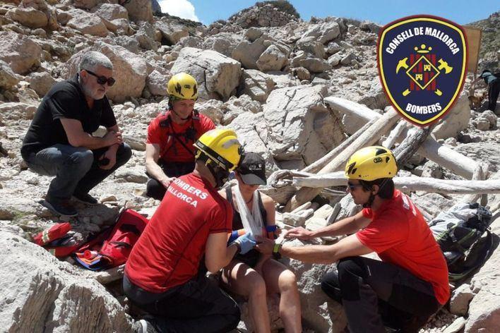 Rescatan a una excursionista en Cala Bóquer