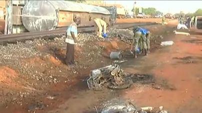 Aumentan a 76 los fallecidos en la explosión de un camión cisterna en Níger