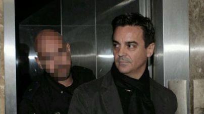 Un juez de Madrid procesa a De Santos por abusos a dos presos de la ONG en la que trabajaba