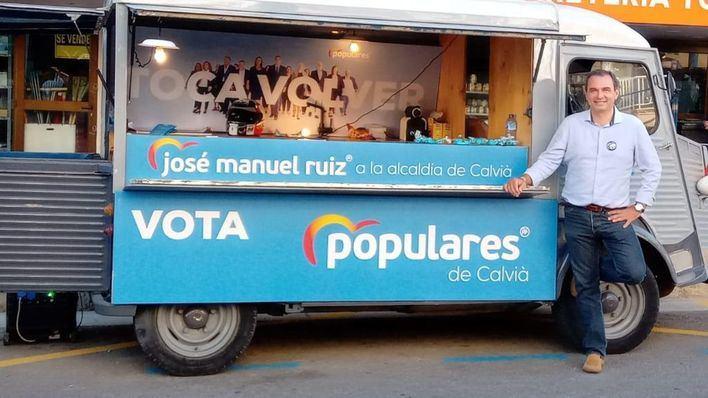 La campaña sobre ruedas de José Manuel Ruiz, candidato del PP a la alcaldía de Calvià