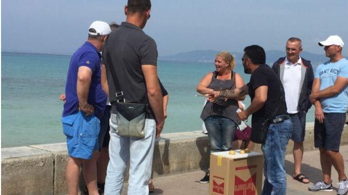 La Policía pide a los hoteles de Playa de Palma que informen a sus clientes de los riesgos con trileros