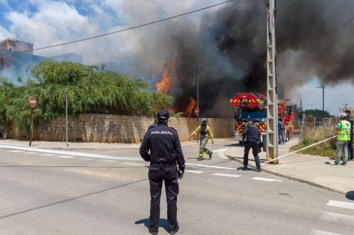 27 de los okupas atendidos por el incendio de Ibiza tienen trabajo estable