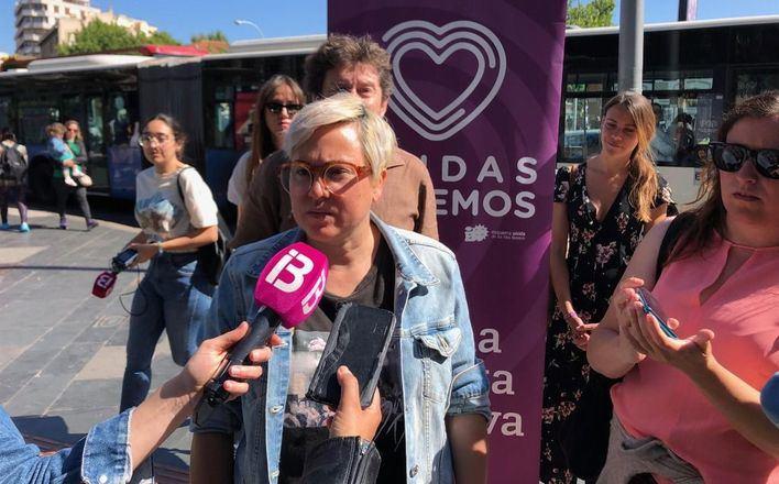 Unidas Podemos quiere que los autobuses paren donde sea más seguro para las mujeres