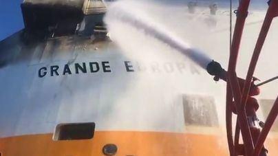 El capitán marítimo de Palma dice que no ha habido 'ningún vertido' en el incendio del 'Grande Europa'