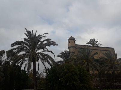 Nubes y amenaza de chubascos en Baleares