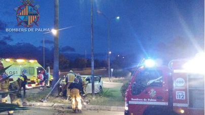 Una conductora ebria causa un accidente en la Vía de Cintura al circular en sentido contrario