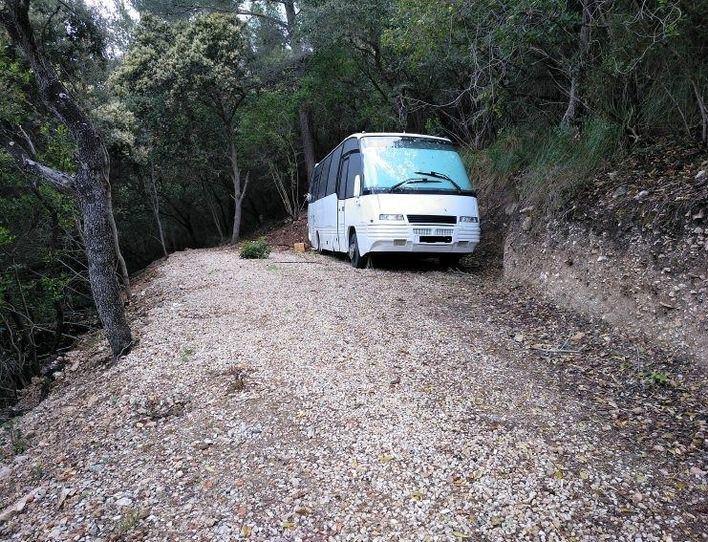 Obligan a retirar una autocaravana preparada para vivir en plena Tramuntana