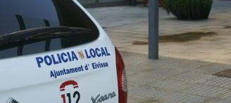 Detenido en Ibiza tras agredir a otro en la cabeza con un hacha