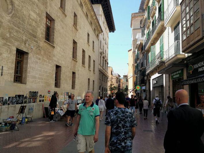 Cort limitará la venta de pinturas y manualidades en la calle