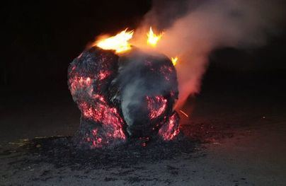 Alarma en Sóller por un fardo de paja incendiado
