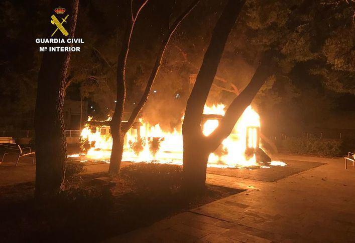 Detienen al autor del incendio de un parque infantil en Inca