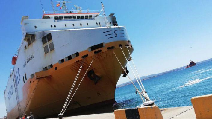 El buque incendiado en Palma llega a Valencia sin ninguna incidencia