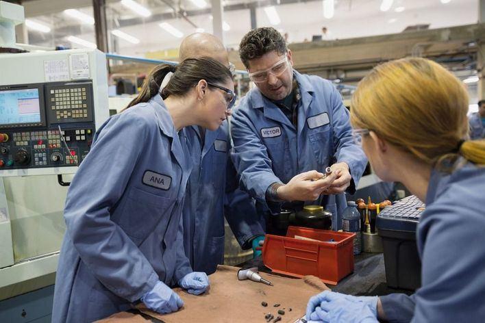 Advierten del incremento del desempleo juvenil, especialmente en mujeres