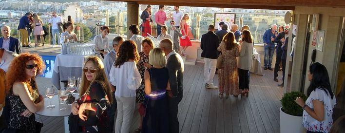 El Hotel Saratoga abre las puertas de su Sky bar para la temporada