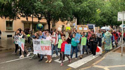 Los jóvenes marchan en Palma contra la inacción política ante el cambio climático