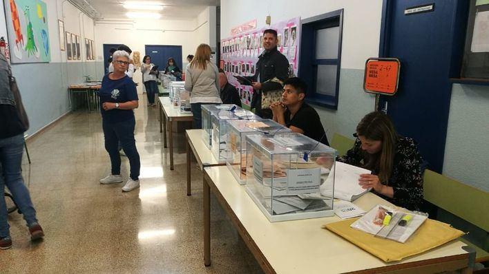 A las seis de la tarde, la participación en las municipales de Baleares cae 2,6 puntos hasta el 43 por ciento