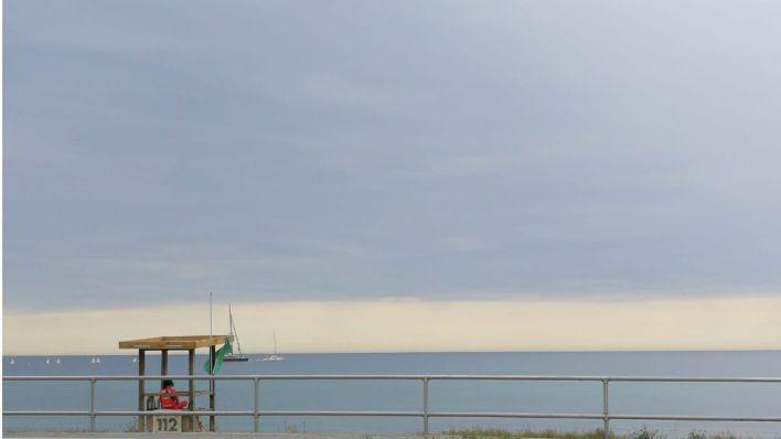 Reabren al baño la playa de Can Pere Antoni