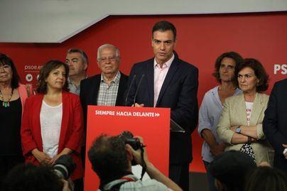 Los socialistas ganan salvo en Navarra y Cantabria, pero no gobernarán Madrid y podrían perder Aragón