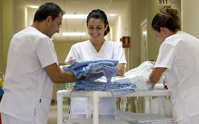 Baleares presenta las menores tasas de profesionales sanitarios