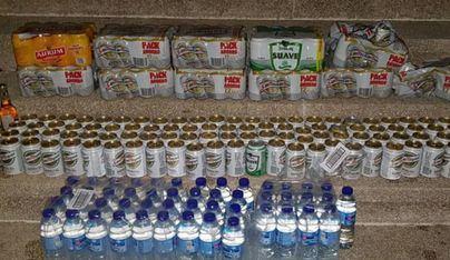La policía decomisa 214 latas de cerveza a 3 vendedores ambulantes en Palma
