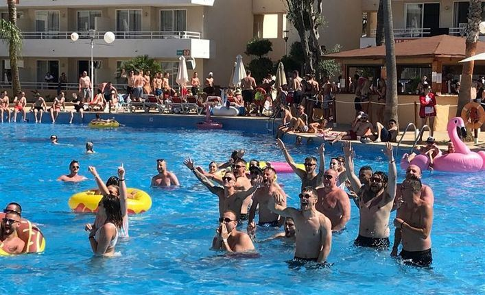 La DJ Charlie Hedges inaugura la temporada de Pool Parties de BH Mallorca