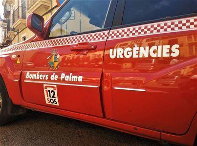 Un bebé queda atrapado en el interior de un coche en Can Pastilla