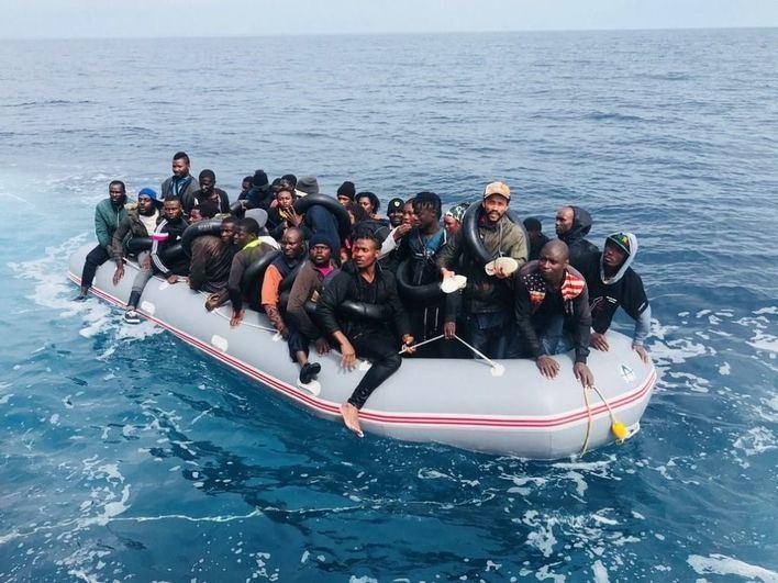 Casi 7.400 migrantes entran en patera a España a través de costas peninsulares y Baleares