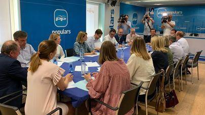 Company reúne a los diputados del PP, que anuncia una oposición 'desde el minuto cero a Armengol'