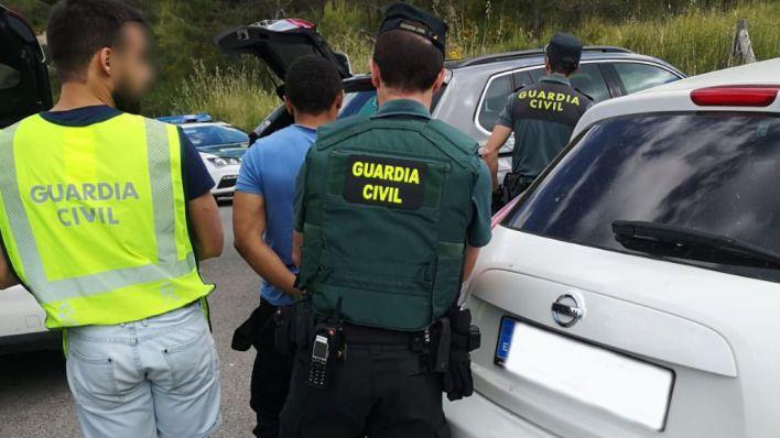 El juez deja en libertad a tres ladrones de coches que operaban en miradores de la Serra
