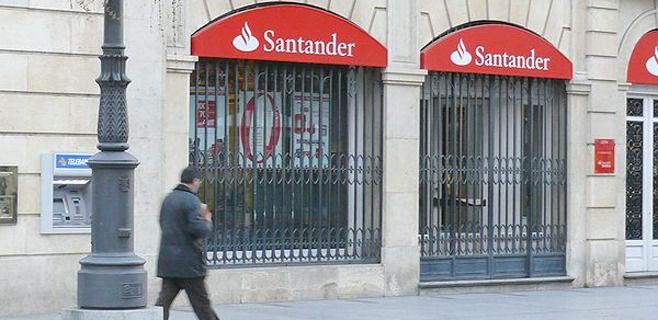 El banco Santander rebaja la cifra de afectados por el ERE y elimina la movilidad en Baleares