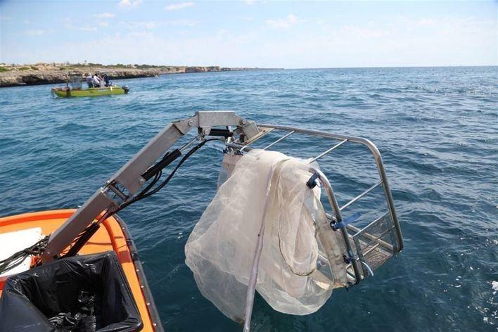 Recogen 12 toneladas de residuos en el litoral de Baleares desde mayo